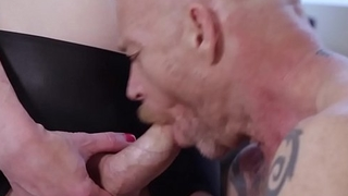 Smalltits tranny pussyfucking her lover
