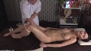 Japanese knead sex with beautiful babe